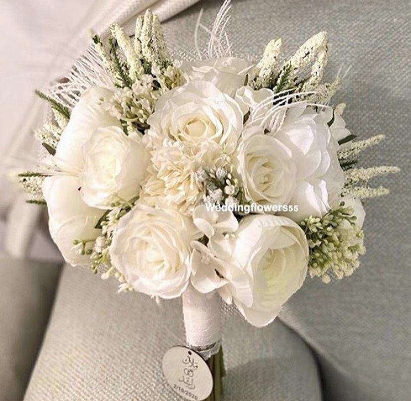 مسكة العروس الأنيقة ورد صناعي جودة عاليه ملمس طبيعي In 2021 Boquette Wedding Floral Wreath Boquette