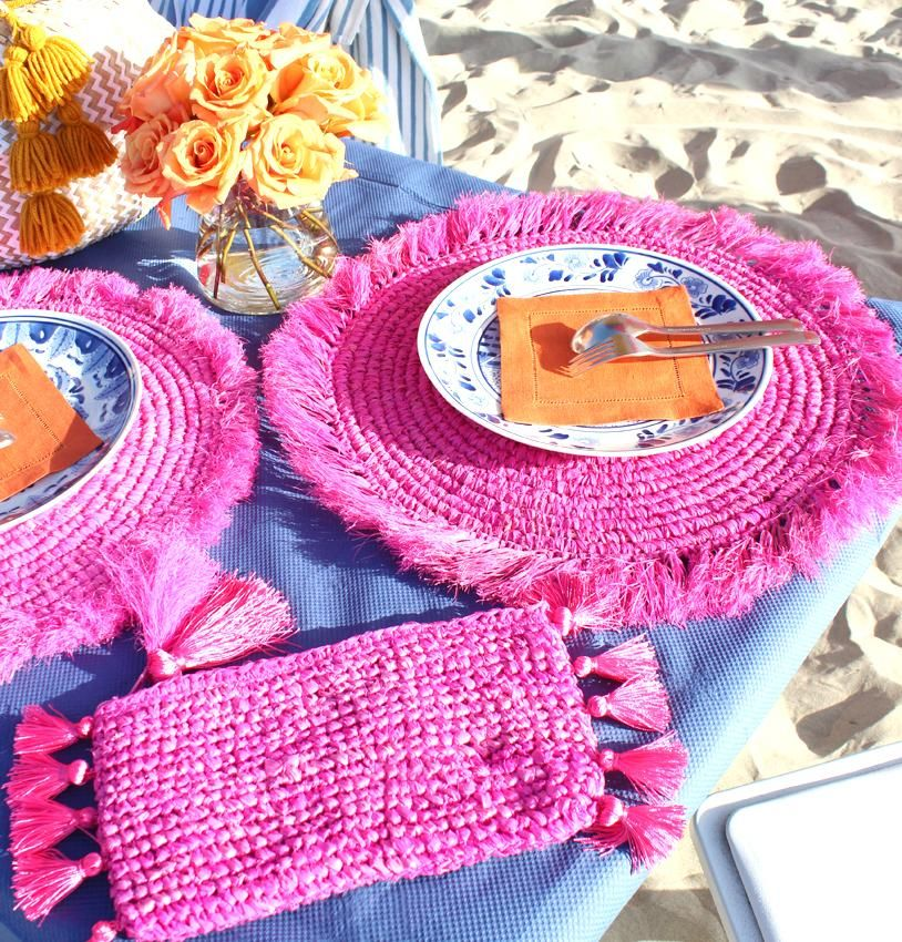 Raffia Placemats In Hot Pink Woven Round