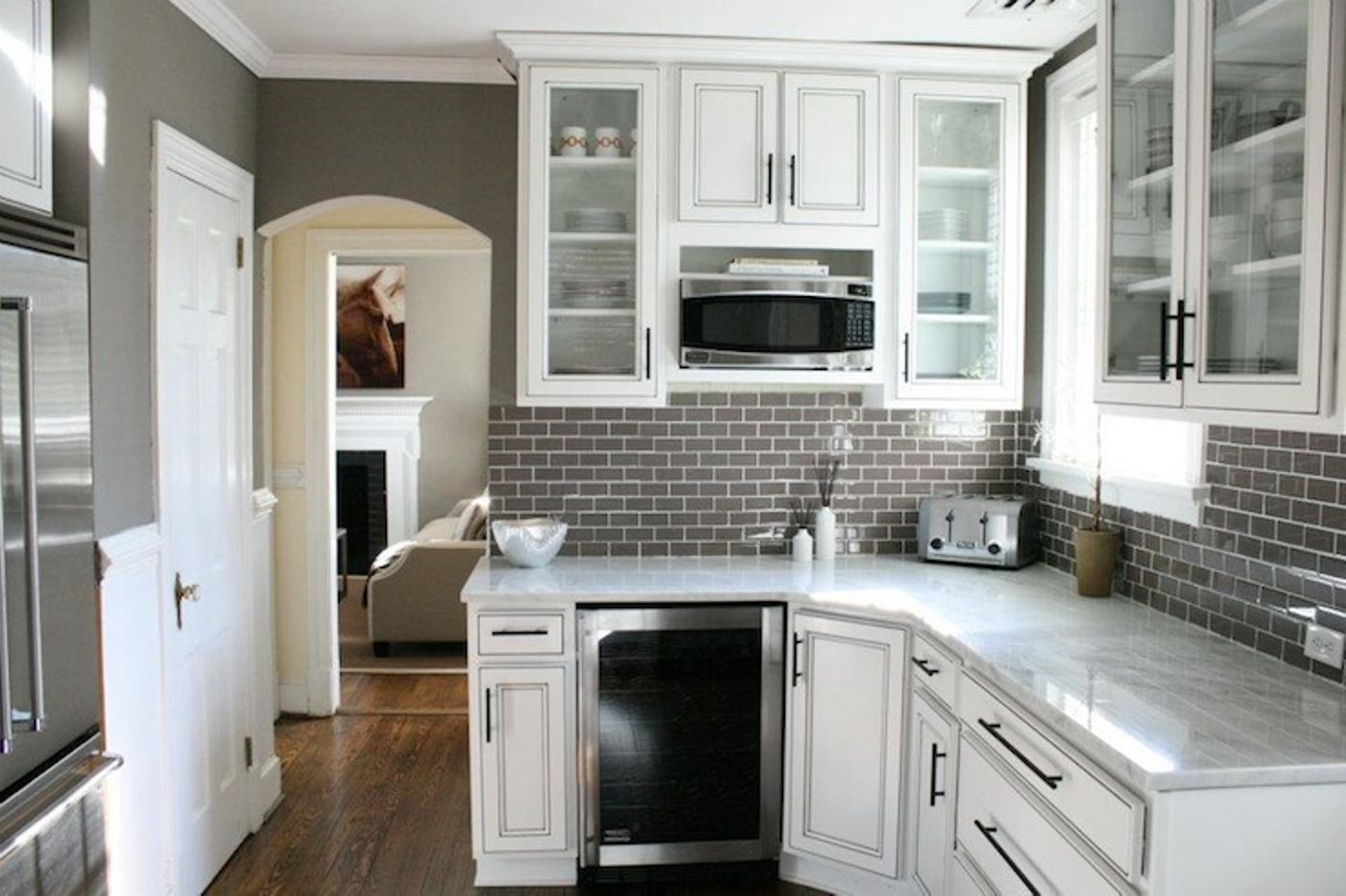 chocolate glass subway tile kitchen backsplash subway tiles and kitchens. Black Bedroom Furniture Sets. Home Design Ideas