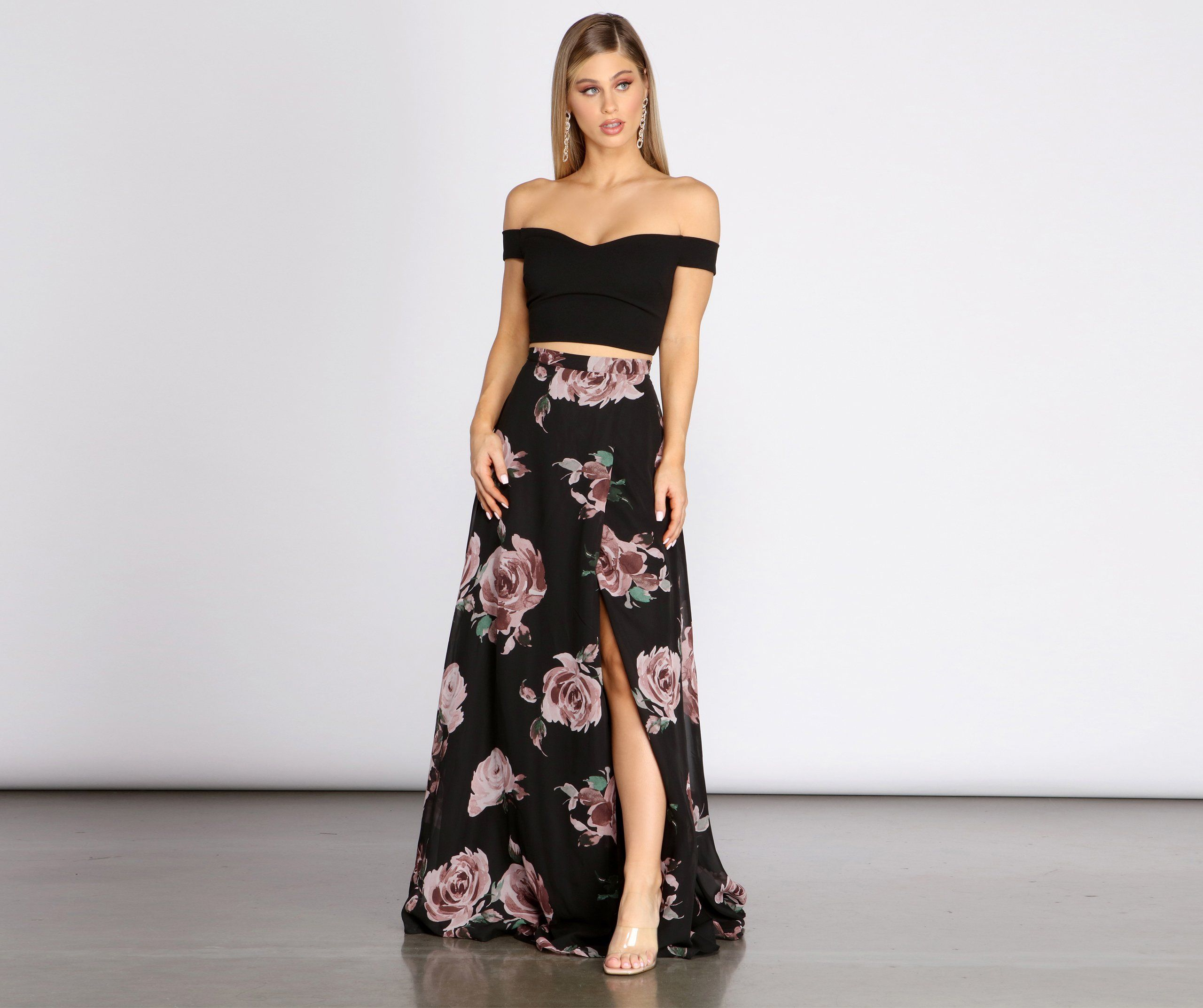 Windsor Flora Floral Two Piece Dress In Black Size Xs Chiffon Source By Windsorstore Floral Dresses Two Piece Dress Two Piece Floral Dress Piece Dress [ 2145 x 2560 Pixel ]