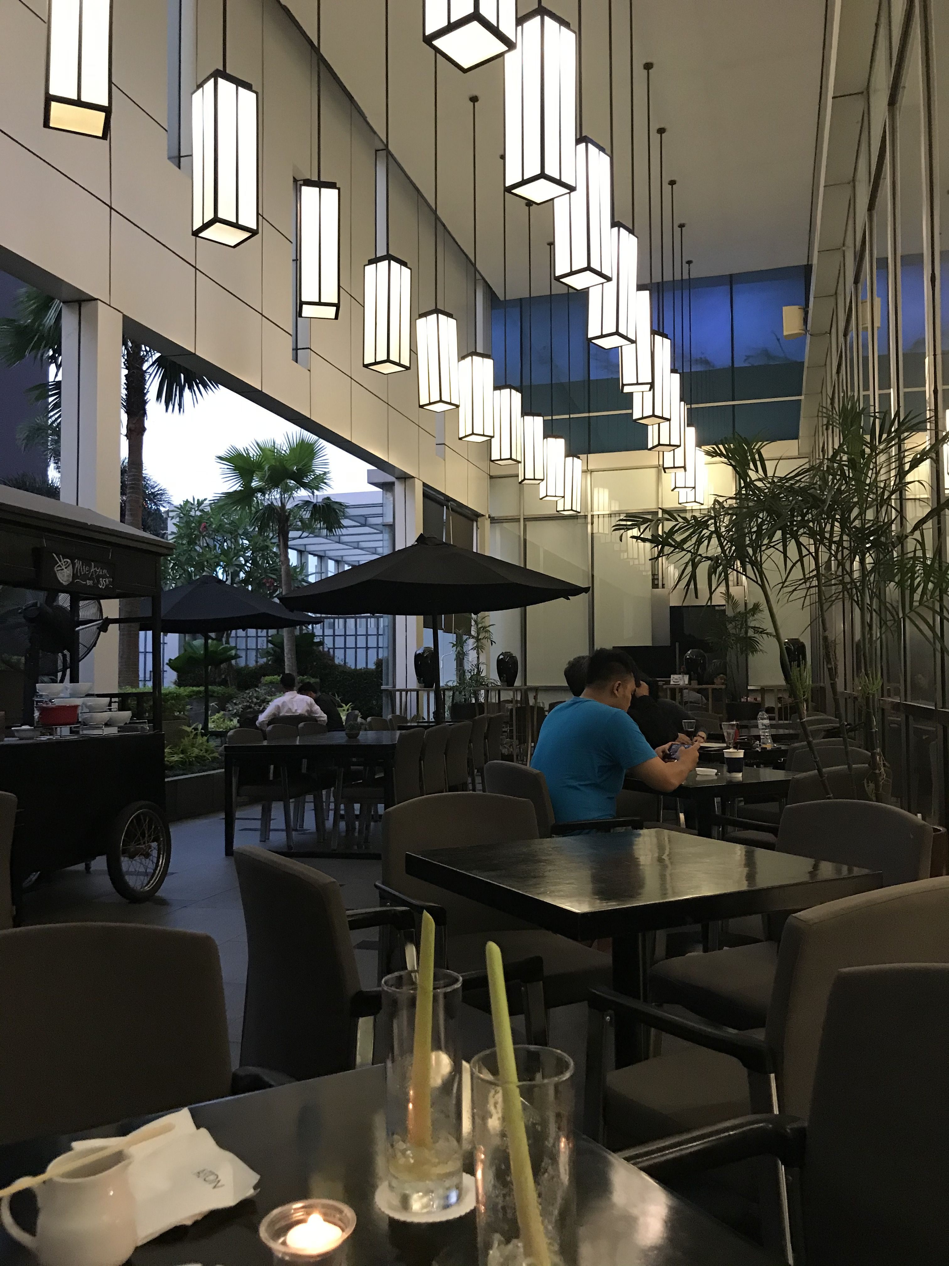 Canary outdoor coffee shop Aston Hotel Jakarta