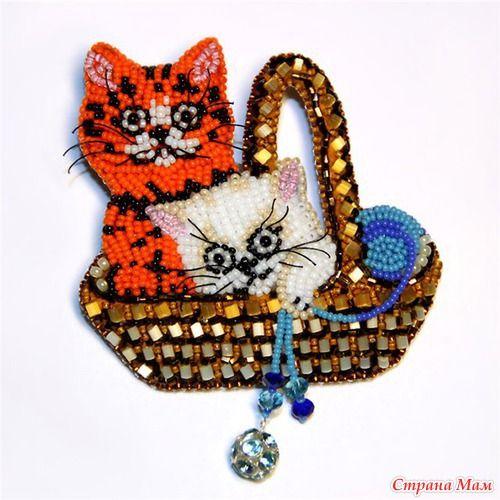 Beaded brooches miniatures from Lyubov Tjurina