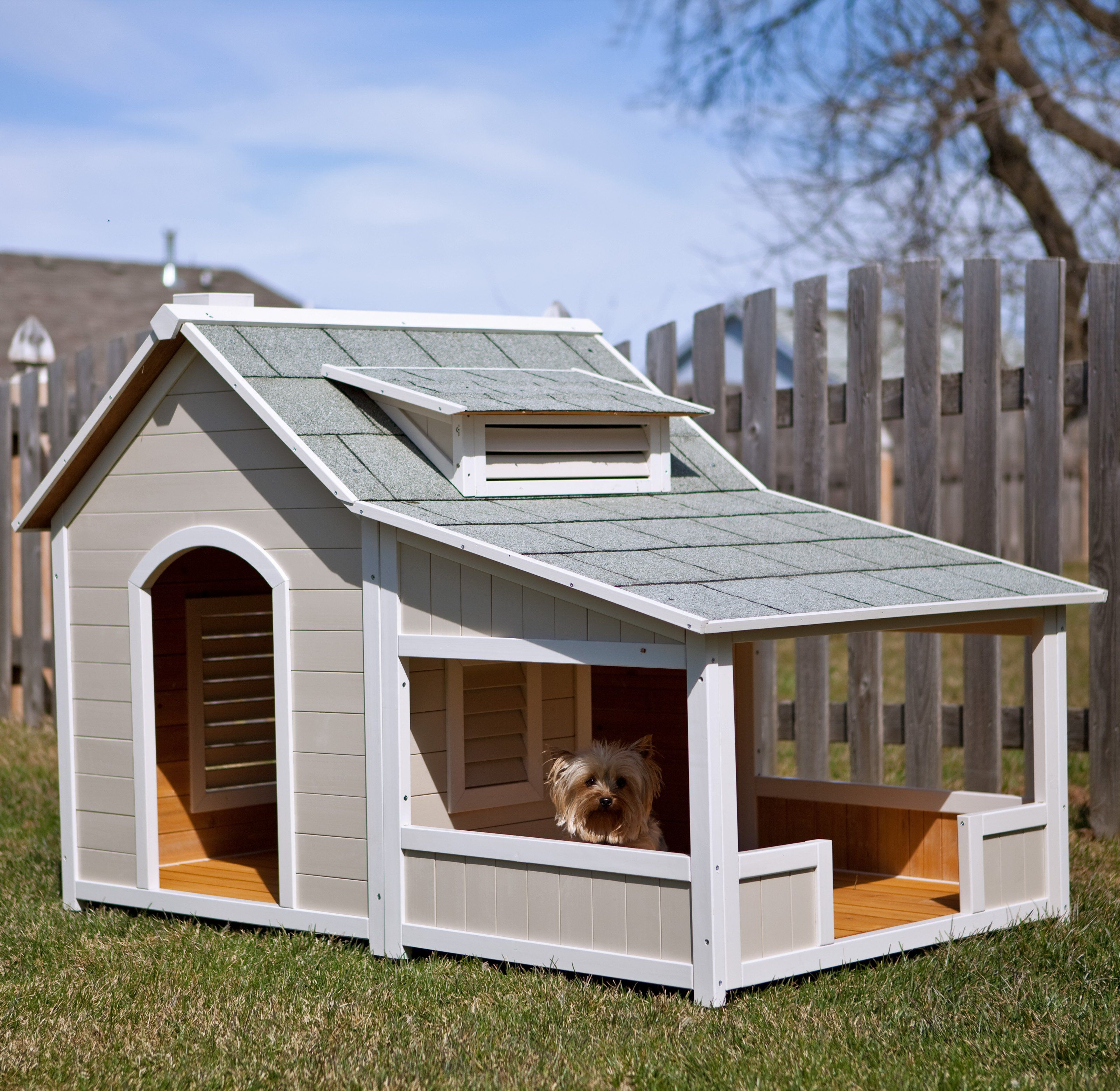 Peek Inside The Plush Pads Of The World S Most Privileged Pups Wood Dog House Cool Dog Houses Dog House With Porch