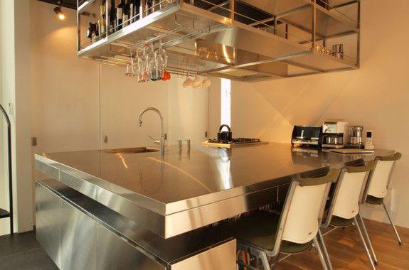 ペニンシュラ型キッチン オールステンレスキッチンのオーダーキッチン製作はldk Kitchen ステンレスキッチン オーダーキッチン ステンレス テーブル