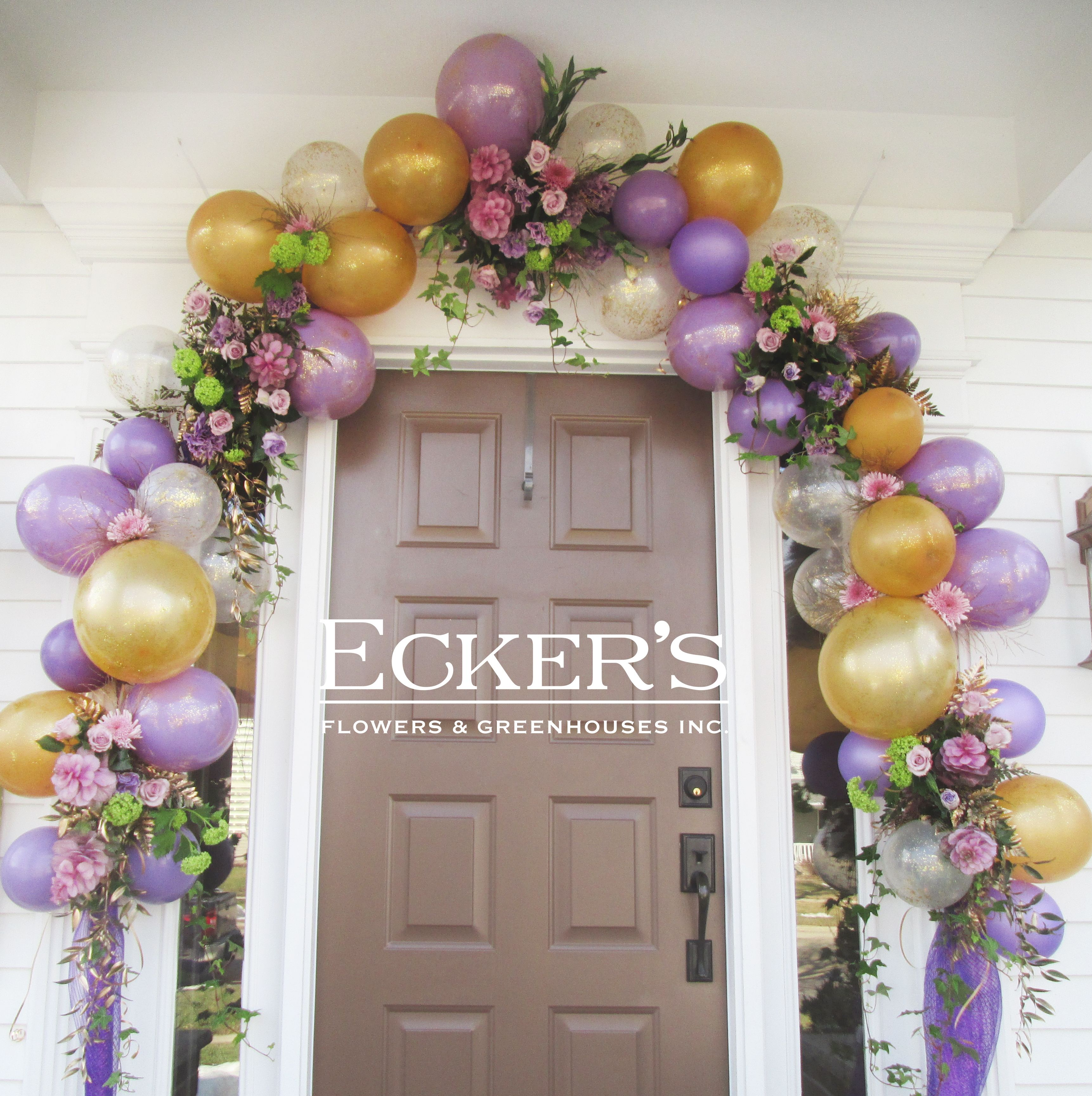 Balloon and flower arch by ecker 39 s flowers greenhouses for Balloon backdrop decoration
