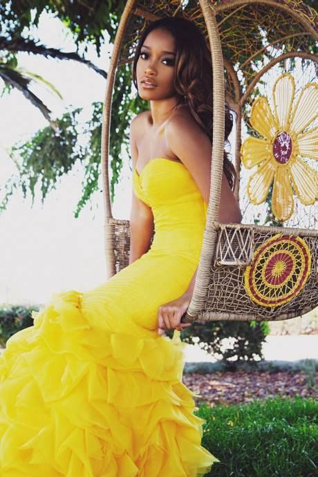 THE GORG. KEKE PALMER.  Love her in yellow!