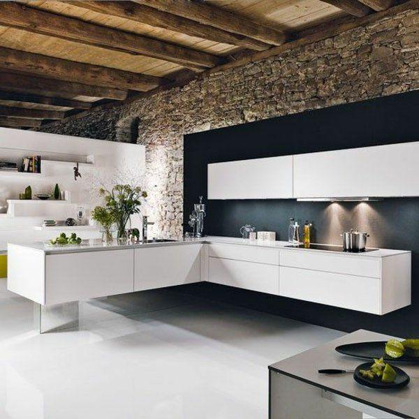küche wandgestaltung weiße einrichtung schwarze akzentwand steine ...