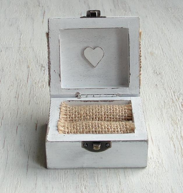 Box fr eheringeEhering schatulle Ringschachtel aus Holz im rustic Look Mae 7 x 6 x 4 cm
