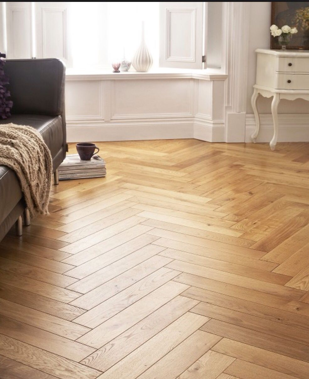 Alessano Herringbone oak effect Laminate flooring 1.39 m²