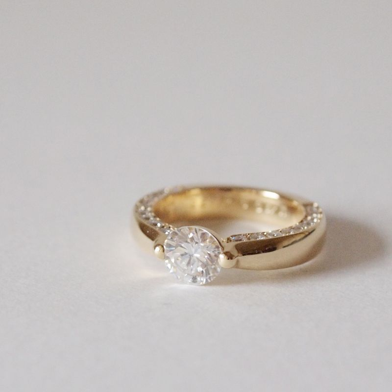 0.7ct diamond ring