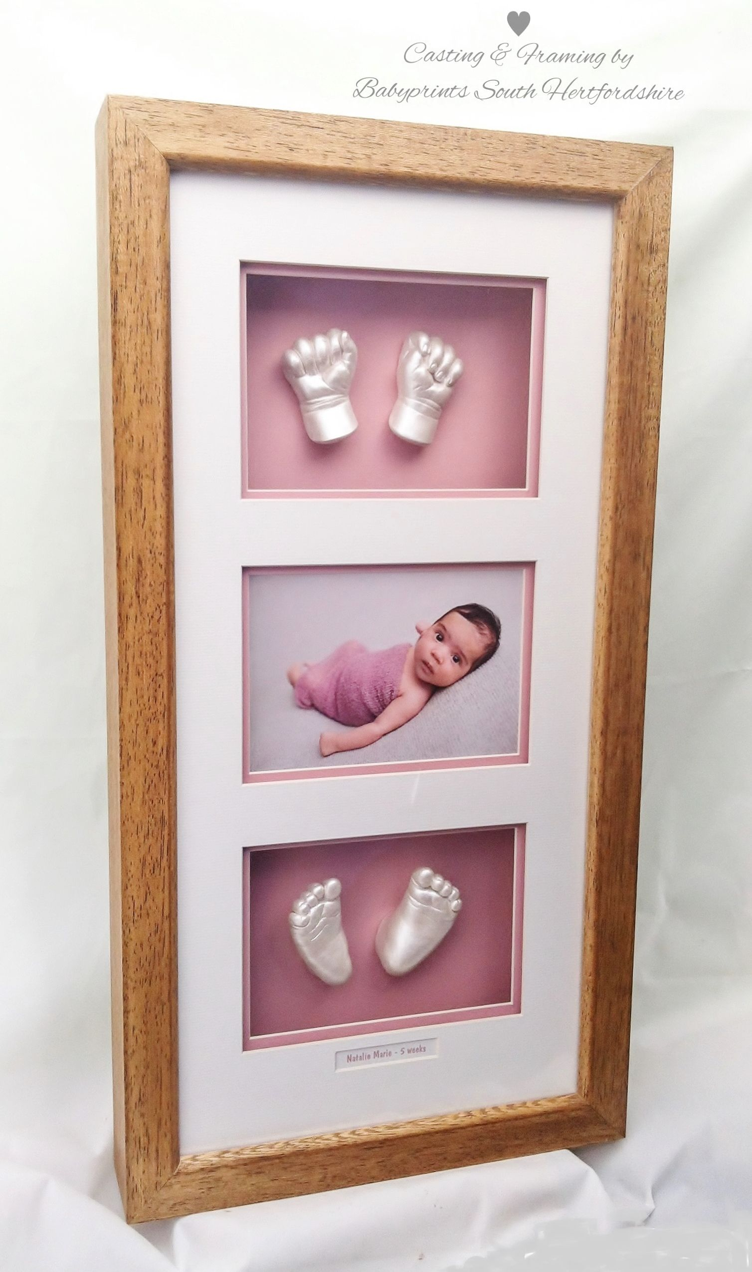 The sweetest casts & the sweetest photo a beautiful frame. By Babyprints.co.uk