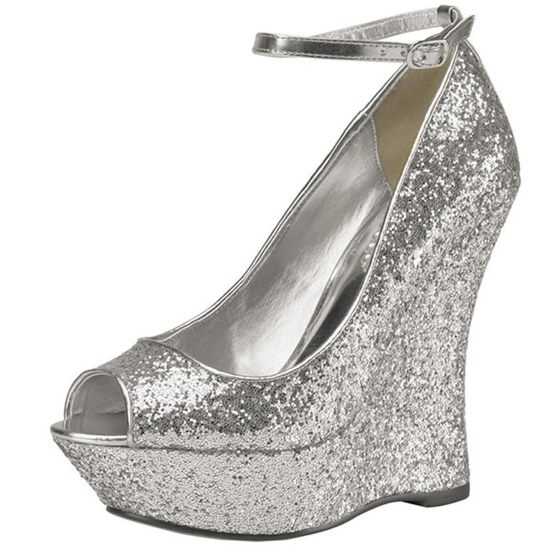 Aaliyha : http://www.chaussures-femmes.com/createurs/pink-aaliyha-argent-silver.html