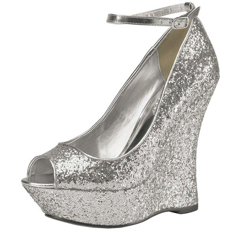 Aaliyha : http://www.chaussures-femmes.com/createurs/pink-aaliyha-argent-silver.html