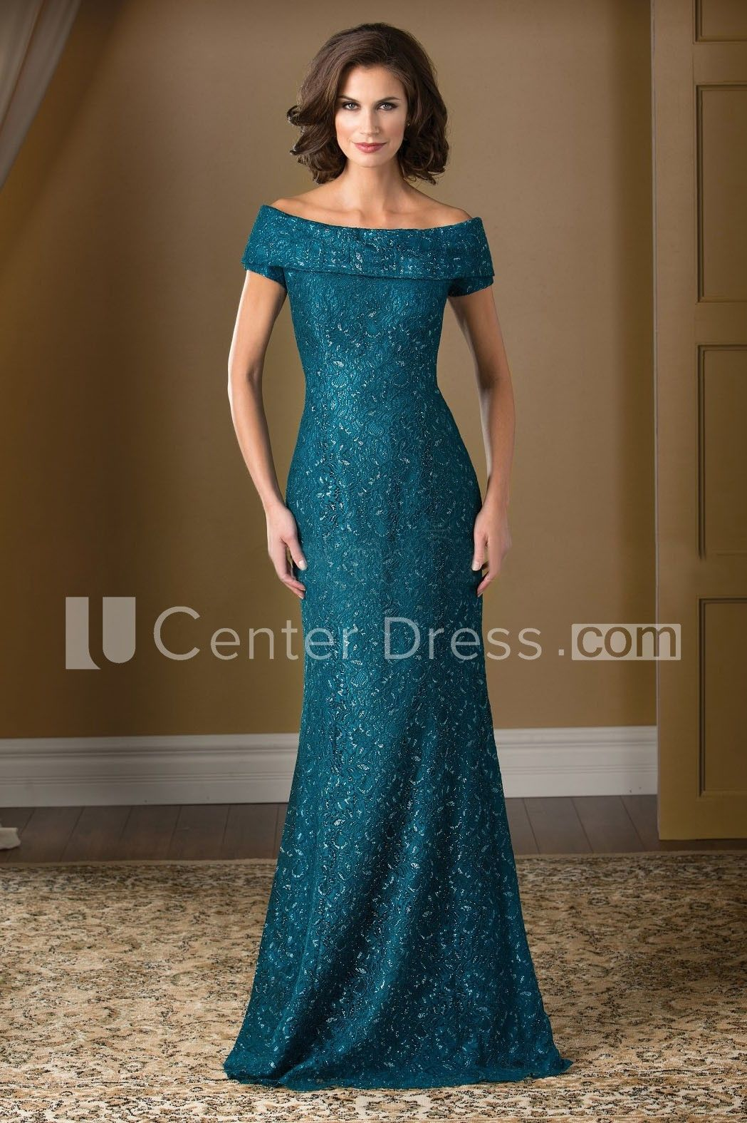 4ca7417e0d9  126.09-Chic Long Lace Mother Of The Bride Dress With Short Sleeves. http