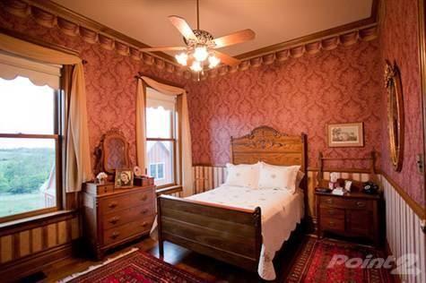 Old Victorian Rooms   New Old Nebraska Victorian   Bedroom