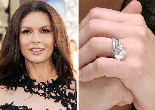 Catherine Zeta Jones Married Michael Douglas At New York City S Plaza Hotel In November The Welsh Actress Wears A Center Stone Surrounded By 28 Smaller