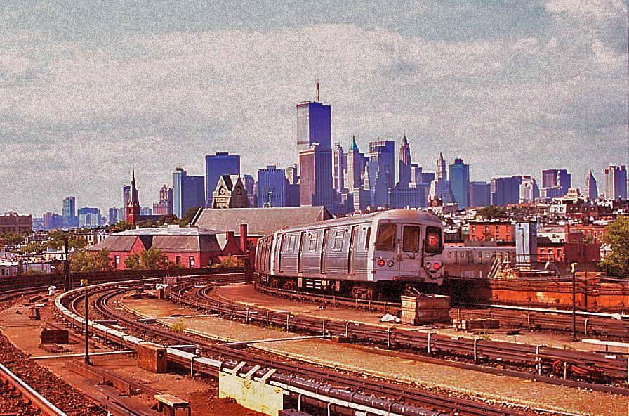 A Manhattan Bound F Train Departing Smith And 9th Street Brooklyn July 28 2001 Copyright Joe Digianni New York City American Cities New York Skyline