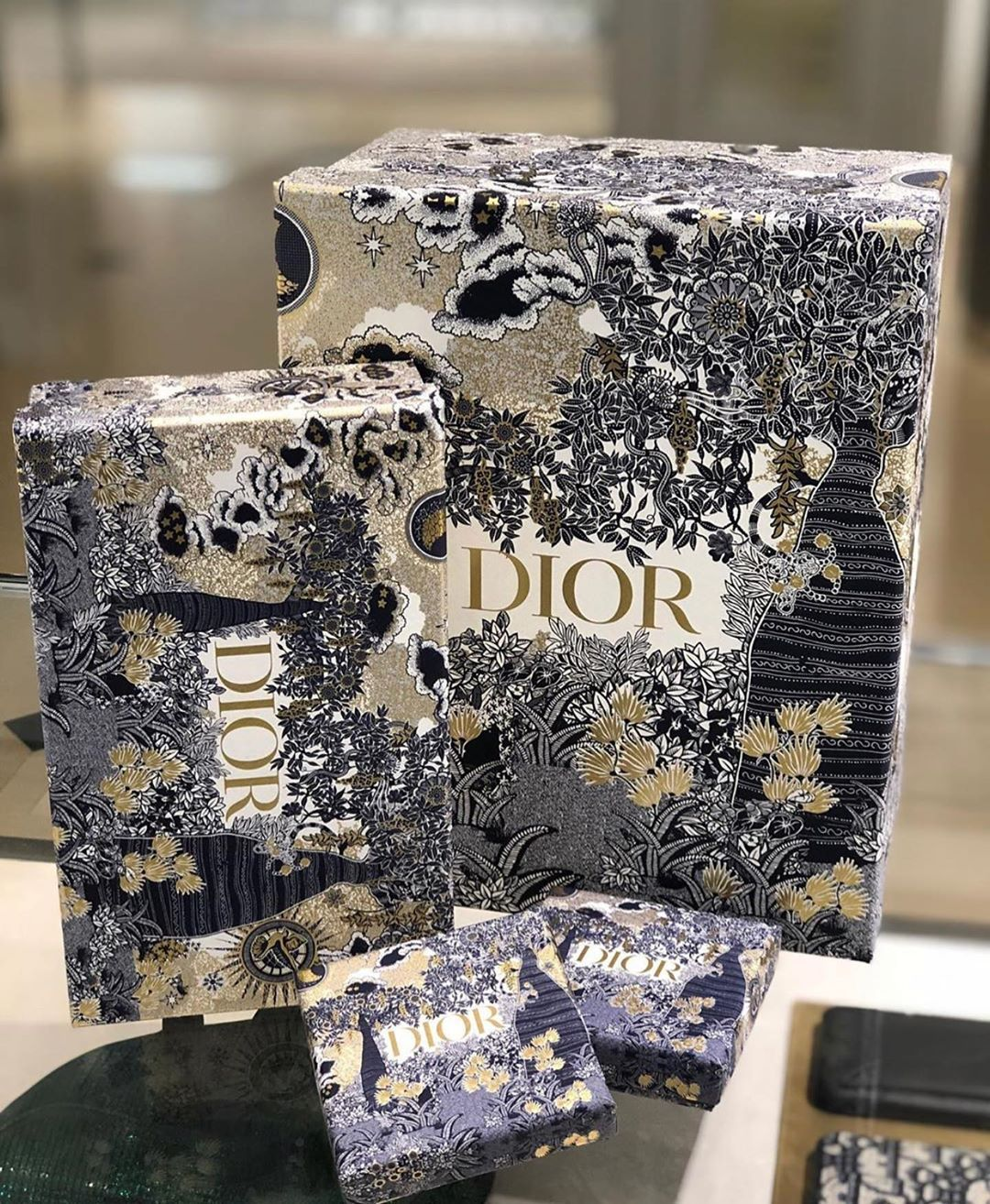 Dior Christmas Box 2020 Pin on Luxe Fashion