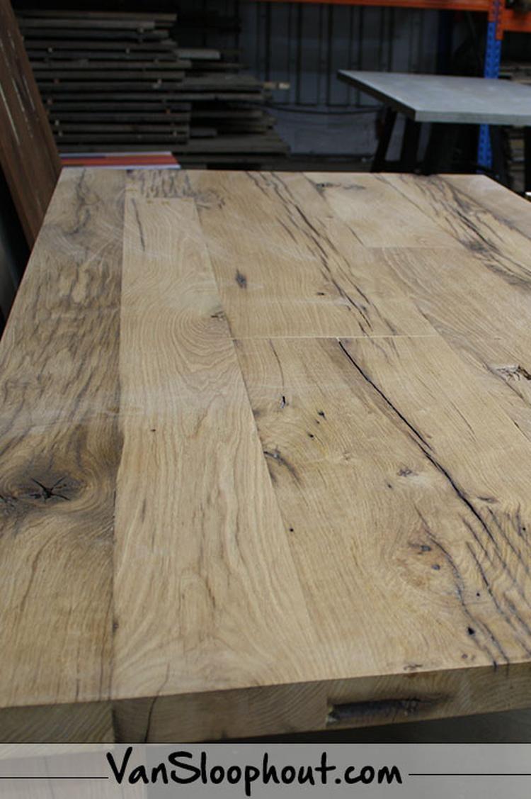 Oude grenen tafel! Hoe tof is de uitstraling? #eettafel #woonkamer ...