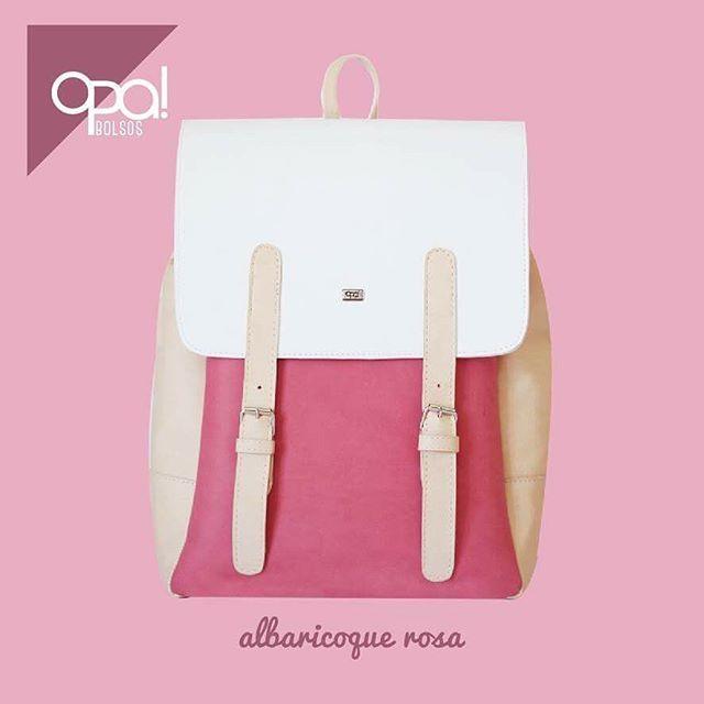 Esta va a ser la semana de las mochilas para el #backtoschool 🎒💕 empezamos #conunaopa Albaricoque Rosa #opamx #usalomexicano #pink #diseñomexicano #backpack