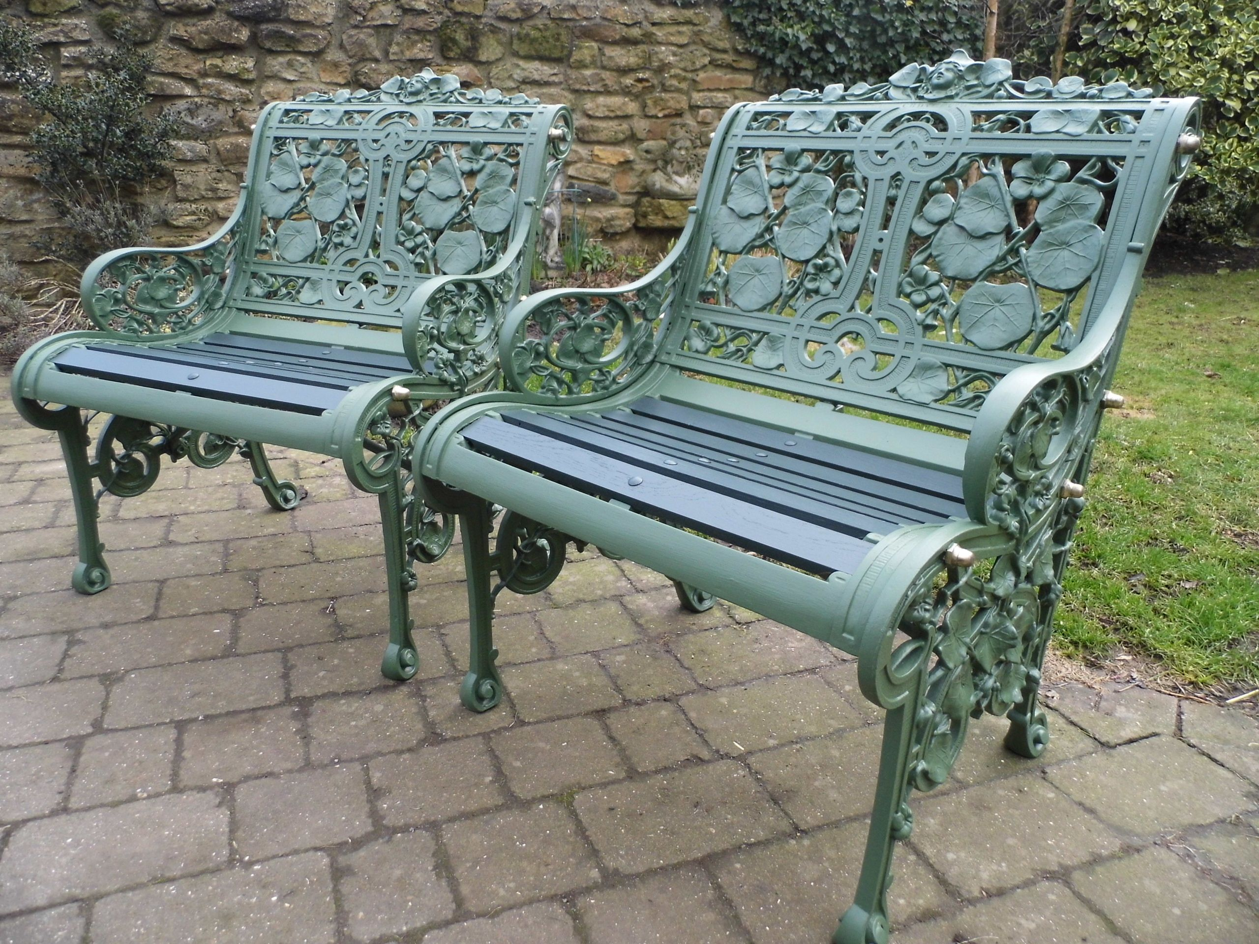 gardenista bench modern outdoor furniture palissade metal edition chairs posts made lawn hay