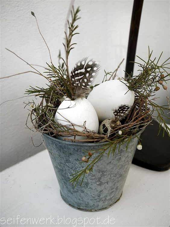 15 Farmhouse style Rustic Easter Decorations Ideas - Hike n Dip