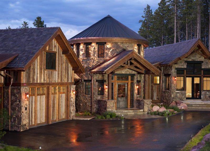 Somptueux mélange de pierre bois et métal pour cette maison