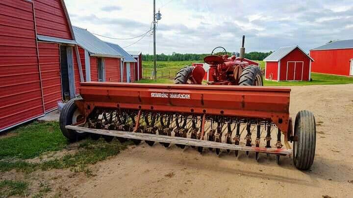 Ih Grain Drill Farm Machinery Tractors Case Tractors