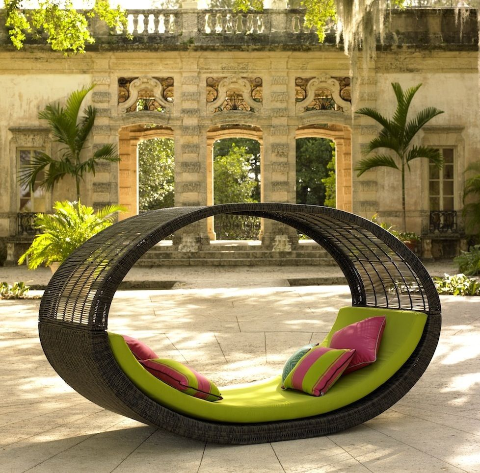 Catch A Mid Day Nap On These Outdoor Patio Daybeds Patio Furniture Articles