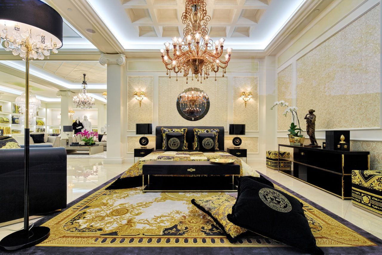 Il lusso ha un nome versace casa versace design home for Arredi di lusso casa