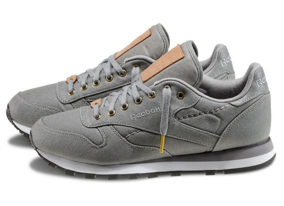 Reebok Men s Classic Leather R12 TXT Shoes  19d8167b3