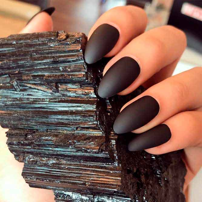 Short Matte Almond Nails Mattenails Almondnails In Case You Considered Matte Black Nails To Be Dull And Matte Almond Nails Classy Nail Designs Black Nails
