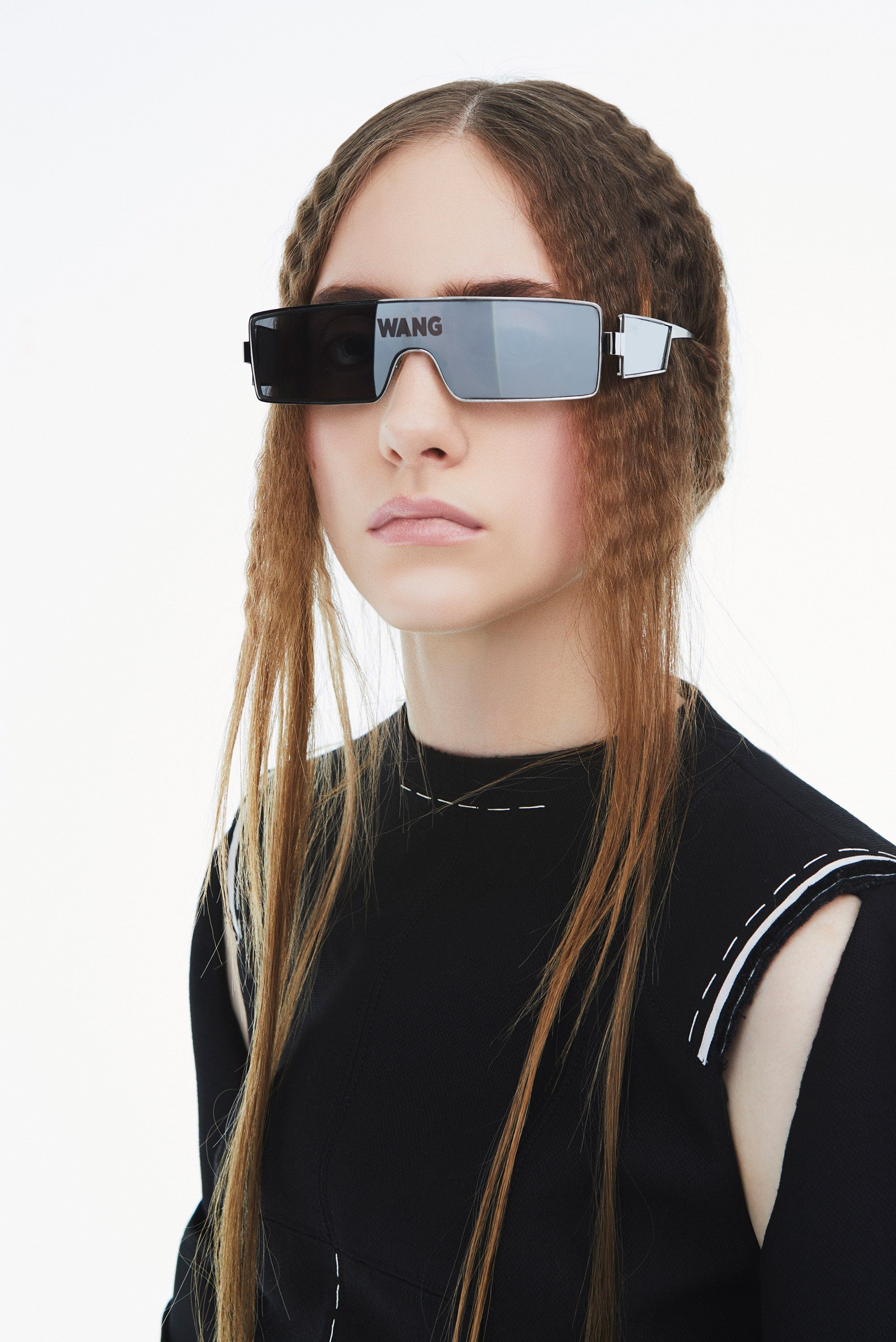 ded6a56edf0 Vera Wang Fall 2018 Ready-to-Wear Collection - Vogue. Follow us on FB or  find us on the web   eyecarefortcollins.com
