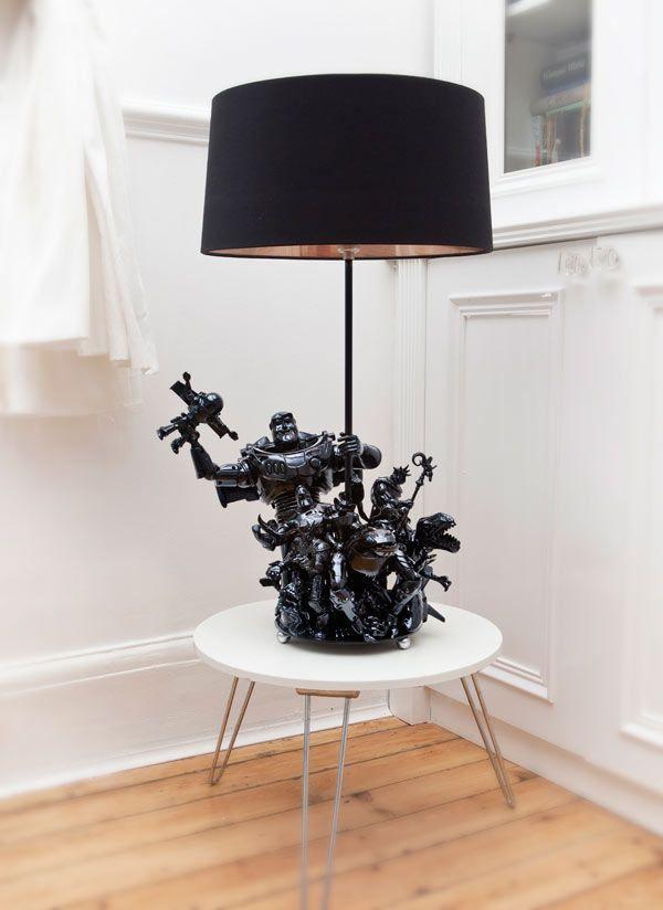 Diy Transformer Les Jouets De Ses Enfants En Lampe Diy Deco Idee Deco Recyclage Idee Deco Recup