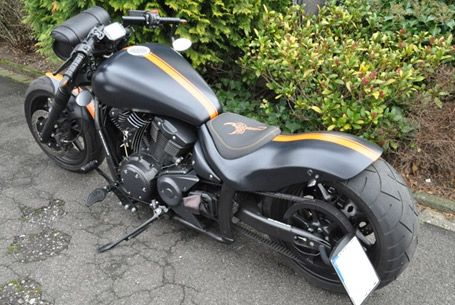 motorrad yamaha xvs 1300 a custom bike motori. Black Bedroom Furniture Sets. Home Design Ideas