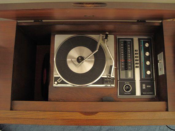 RCA Victor Victrola New Vista 'Finlandia' door woodBEATScissors ...