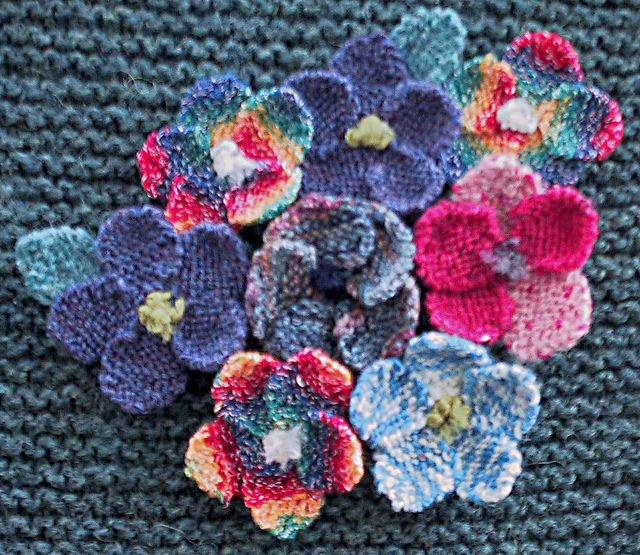 Knitting Flowers Patterns Free : Ravelry simple knitted flower pattern by paulette lane
