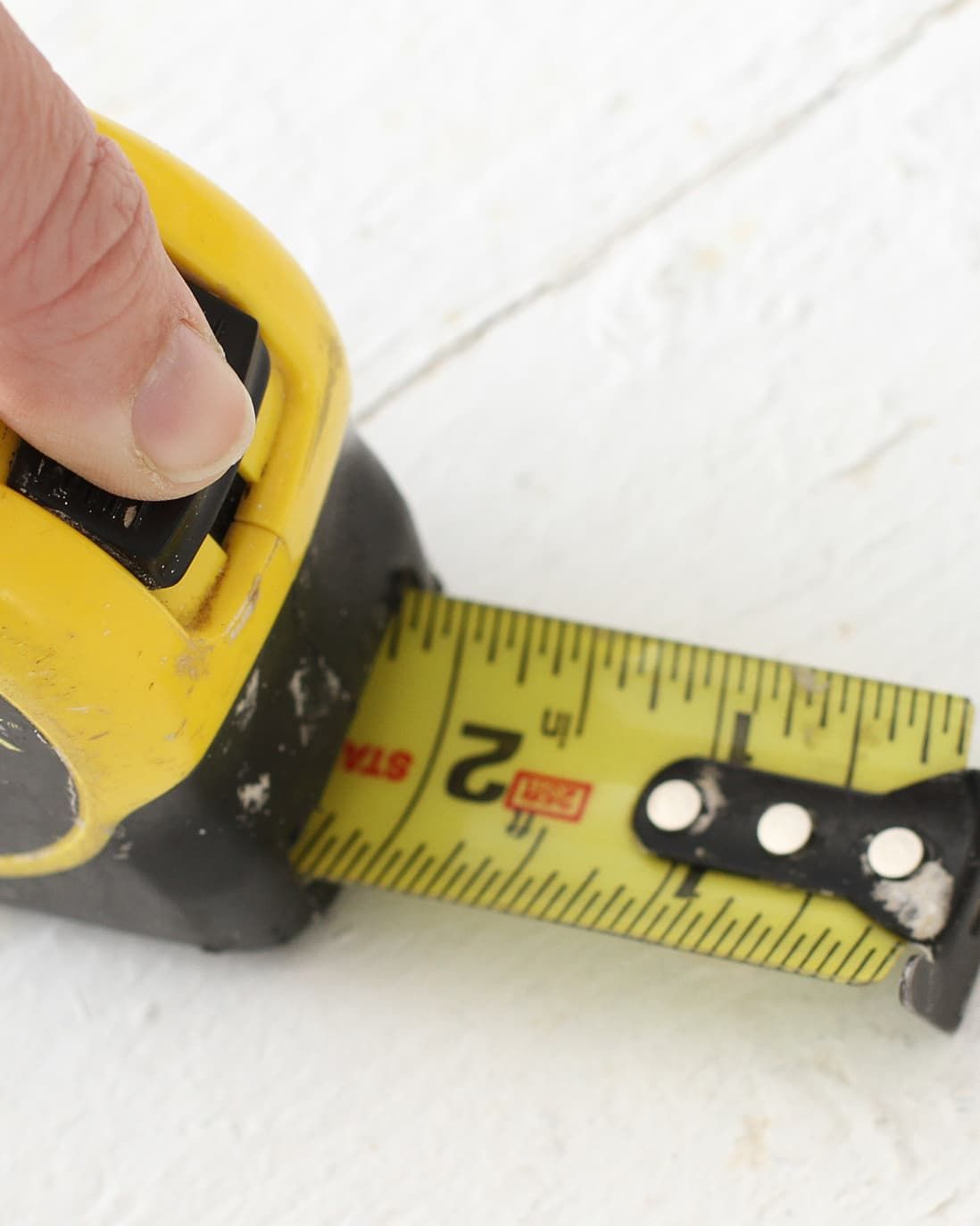 How To Use A Tape Measure The Right Way In