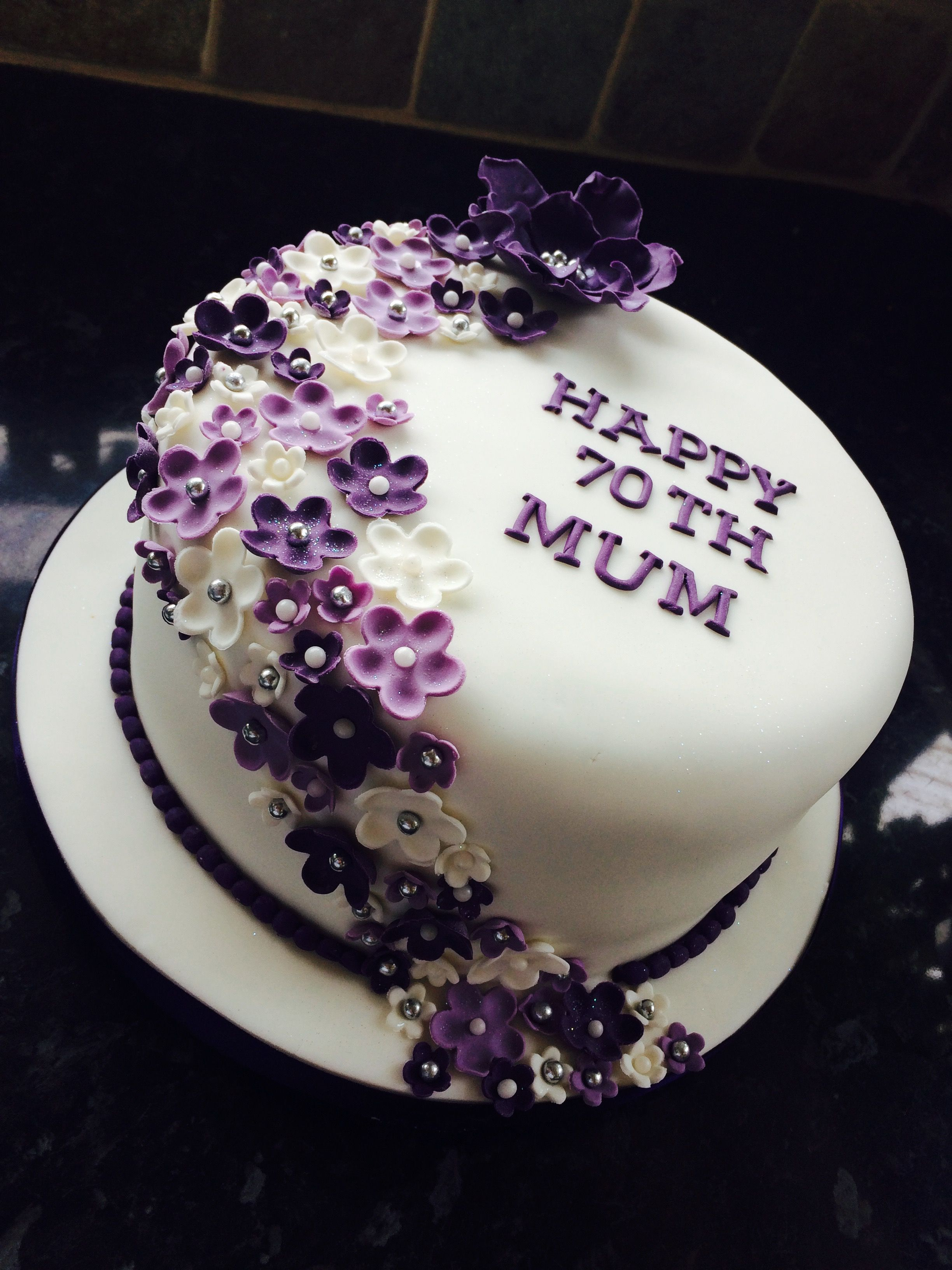 70th birthday cake | Birthday cake for women simple ...