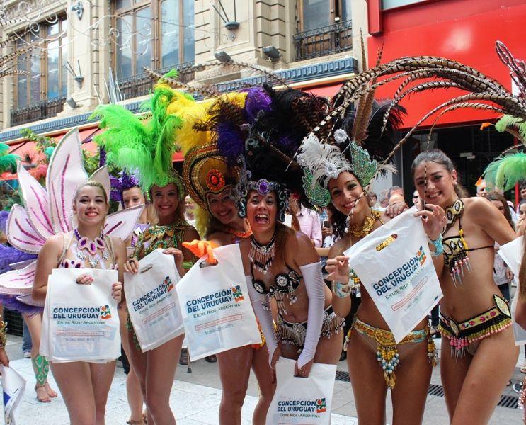 En compañía de la flamante directora de Turismo, María Laura Saad, una…