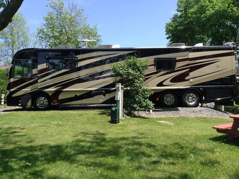 2010 Fleetwood Revolution LE 42T, Class A Diesel RV For