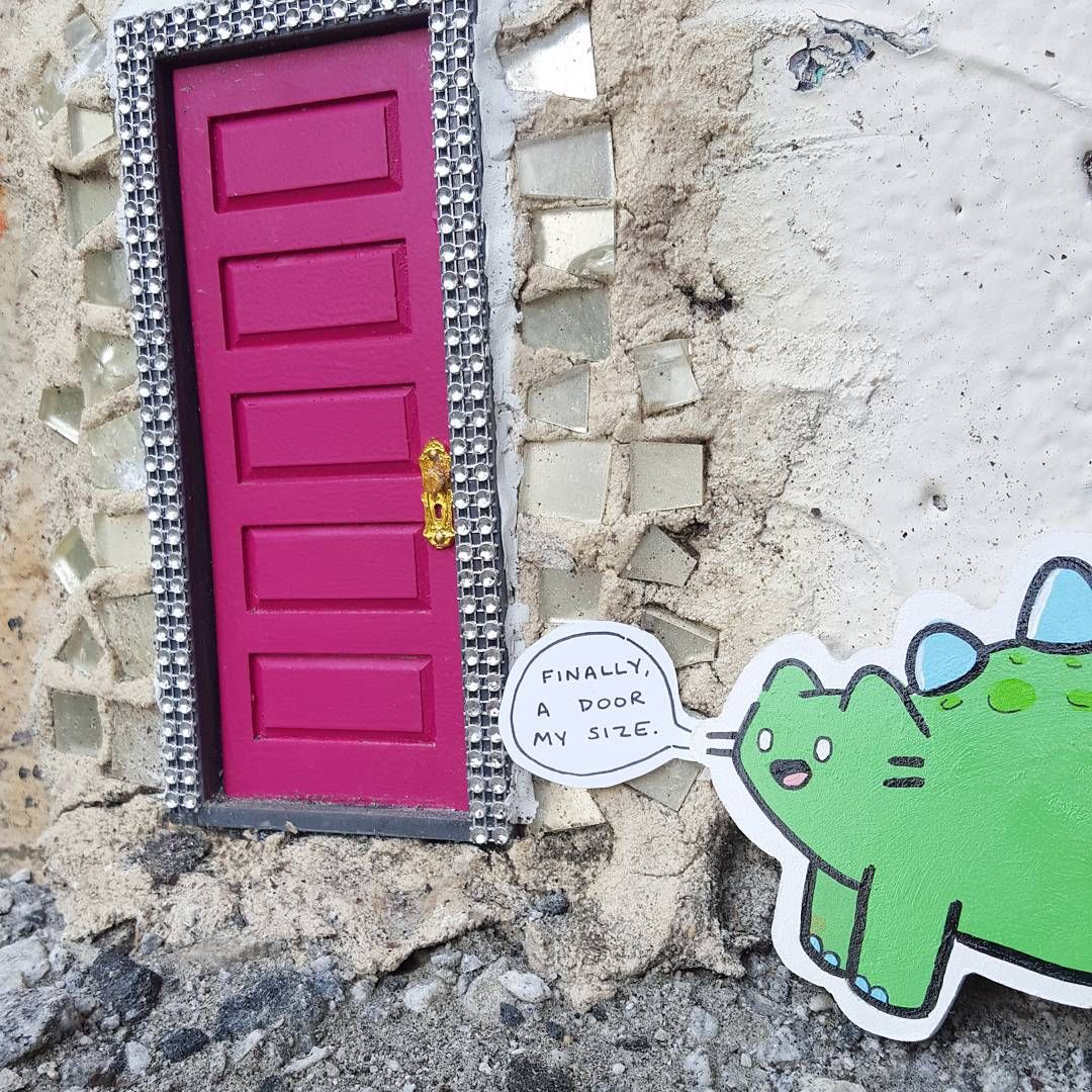 @thecatoonist just dropped this sweet #FAFATL dinocat at Door #2! We sweetened the deal with a sticker. Happy Friday ATL!  #tinydoorsatl #weloveatl #cat #thecatoonist