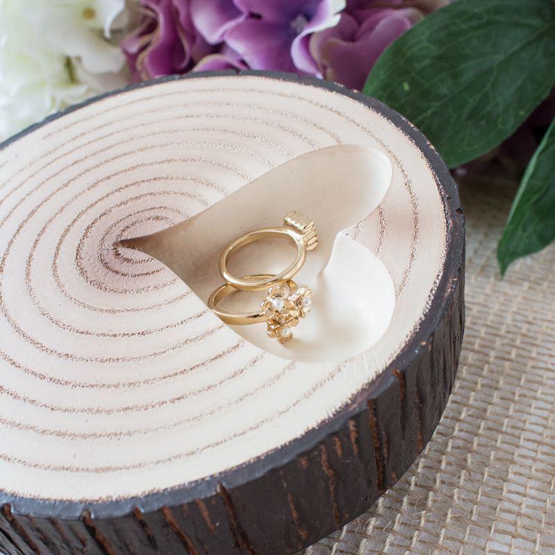 baumscheibe als ringkissen alternative hochzeit hochzeitsdeko rustic wedding hochzeit. Black Bedroom Furniture Sets. Home Design Ideas