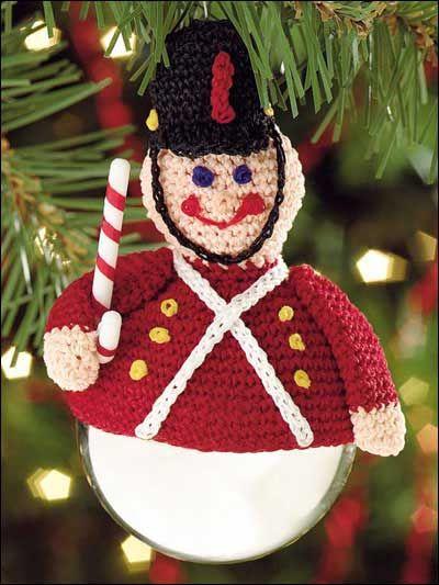 20 Christmas Ornaments You Must Crochet | Soldaten, Häkeln und Stricken