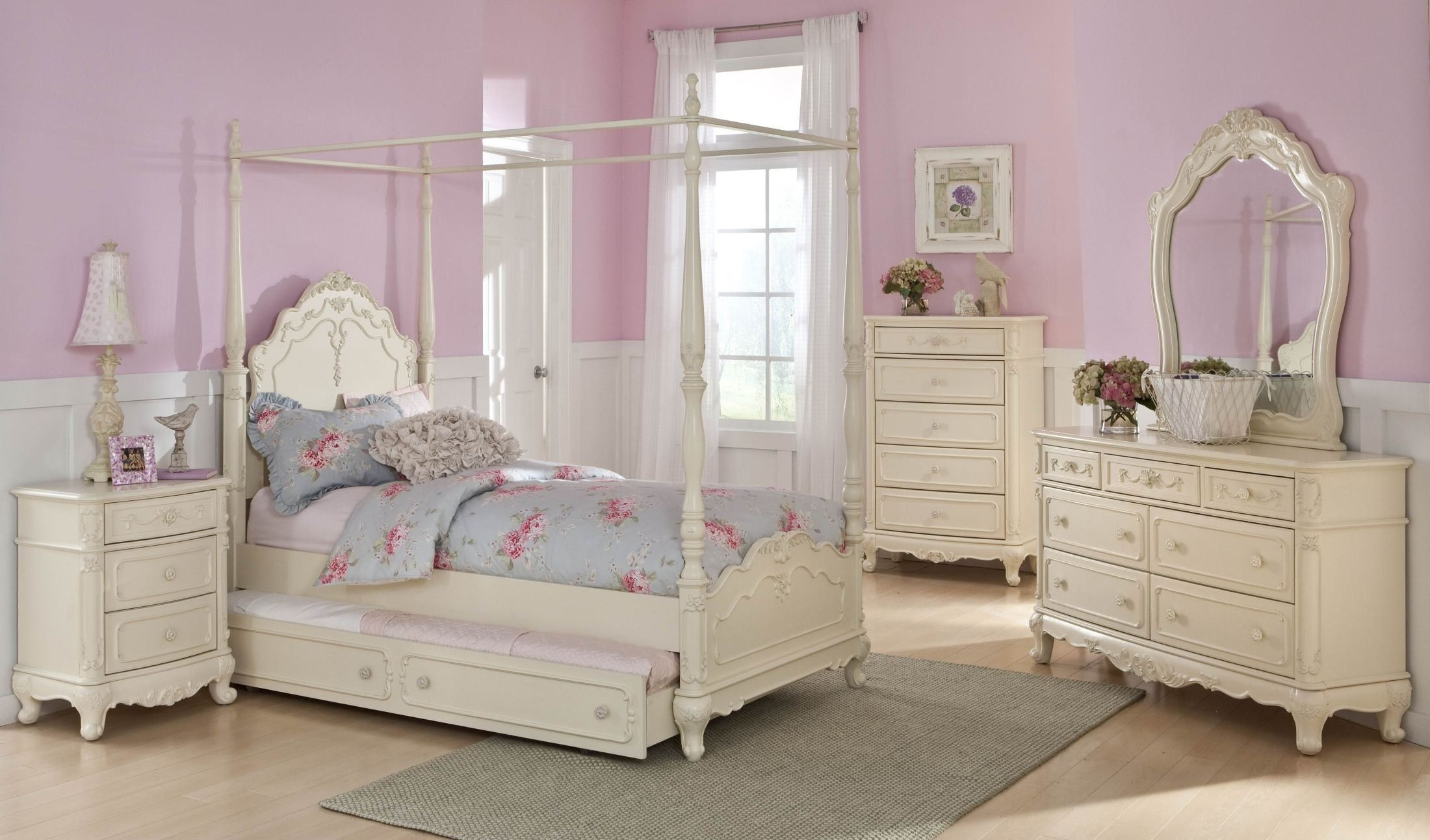Cinderella Youth Canopy Poster Bedroom Set | Girls bedroom ...