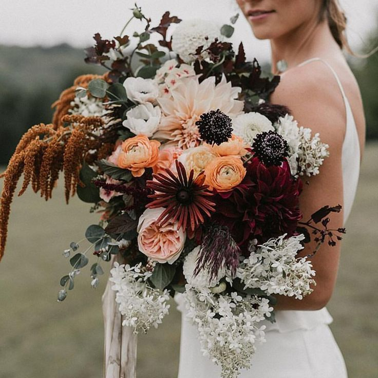 Wedding Bouquets Without Flowers: Moody Fall Vibes // Fall Wedding Bouquet Inspiration