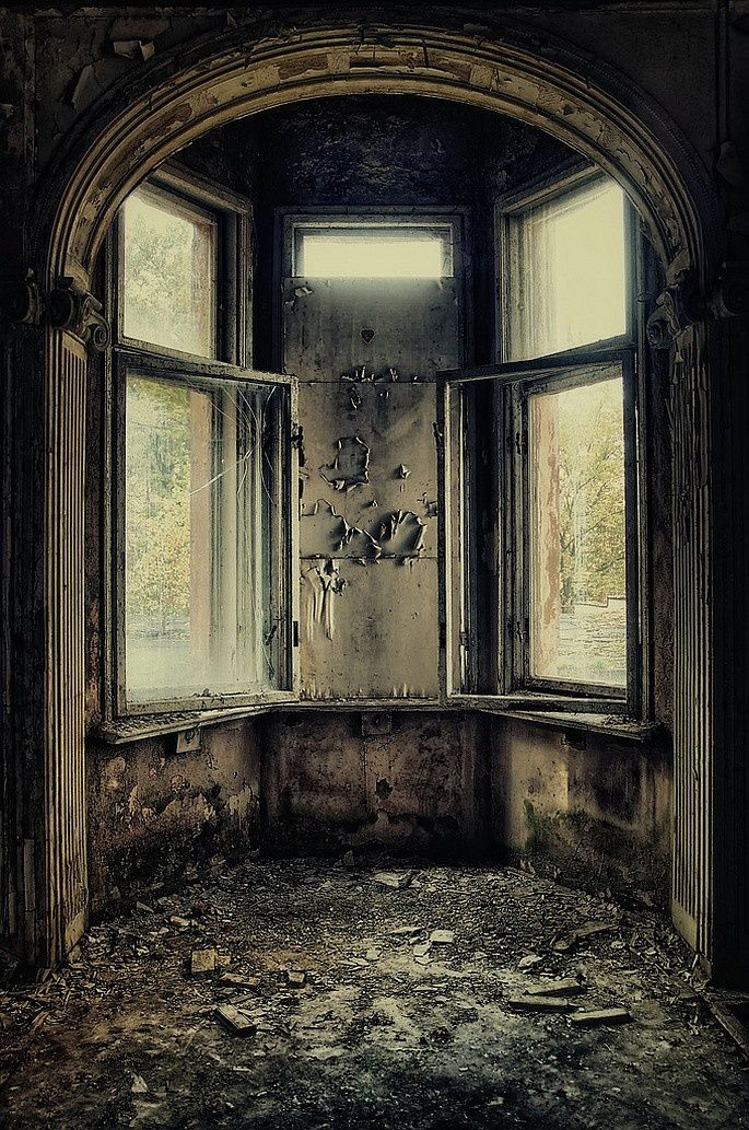 Pin by Tammy Drzonek on Abandoned/Beauty | Abandoned houses