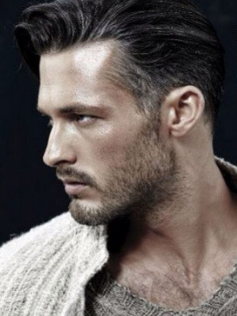 Young Man With Salt And Pepper Hair I Lik The Young Man With Salt And Pepper Trendy Mens Hairstyles Haircuts For Men Trendy Mens Haircuts