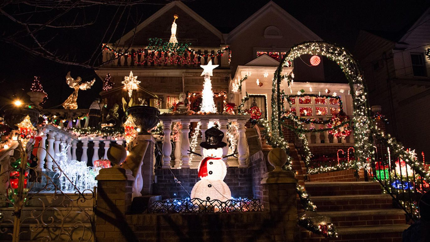 The Dyker Heights Christmas Lights 2019 guide Christmas