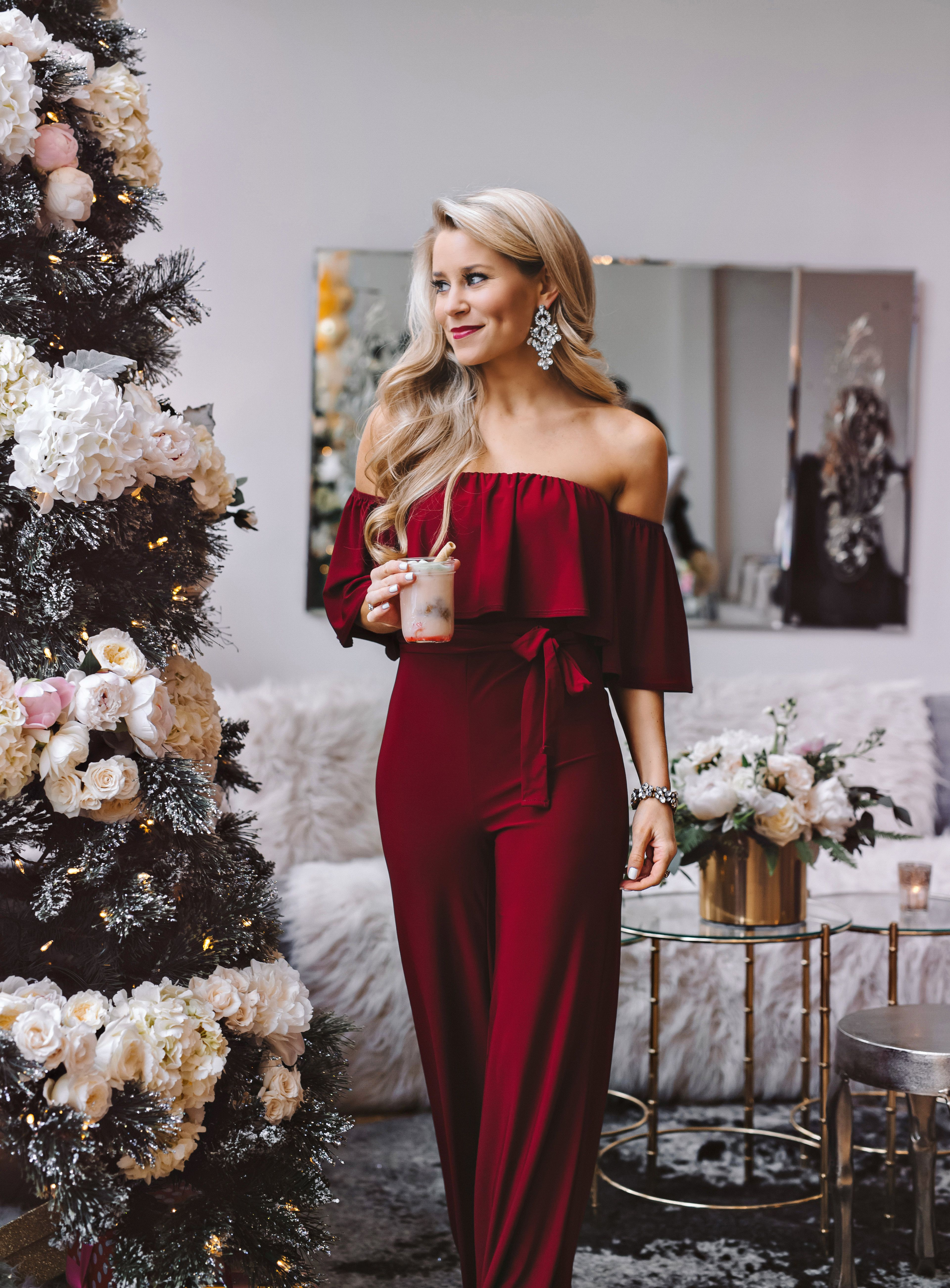 Holiday Party Decor + Outfit Ideas | Cute christmas ...